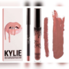 помада KYLIE Lip Kit
