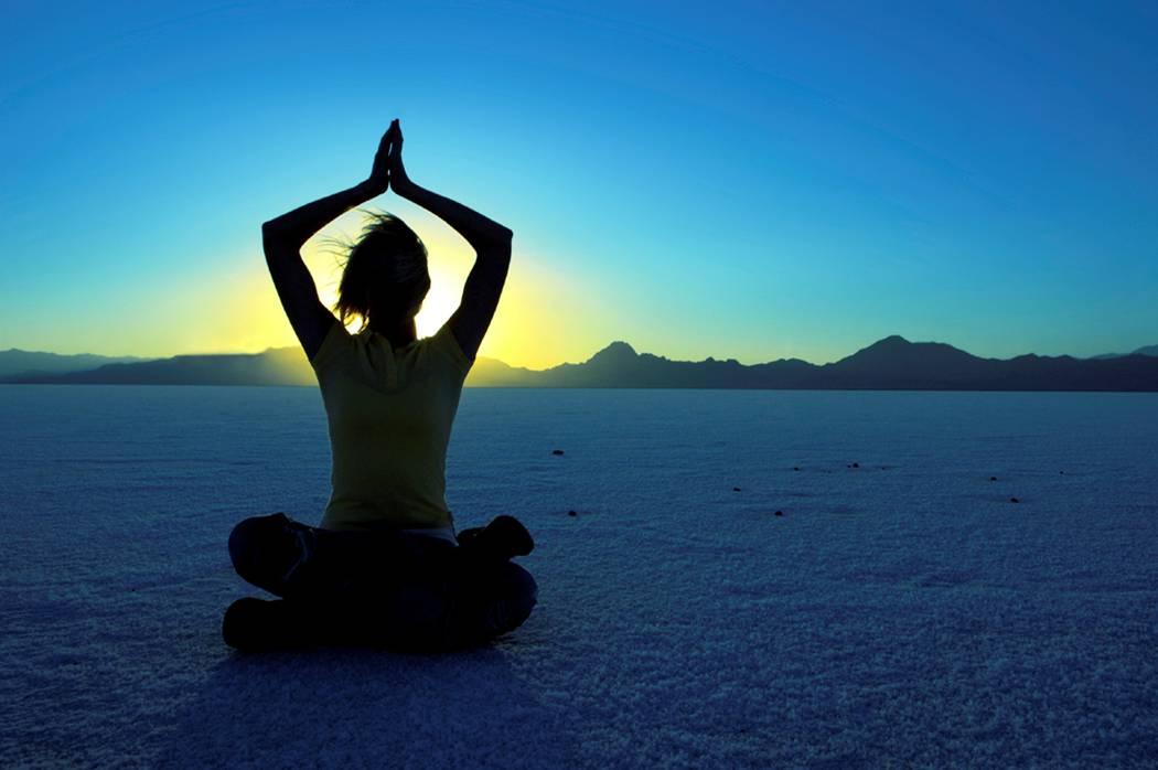 Как выбрать йогу для начинающих: направления, виды и их отличия