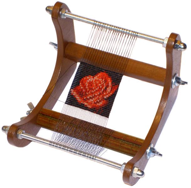 Автор: Admin Дата: 11.09.2013 Описание: Технология плетения бисером на станке (тканьё на станке или.
