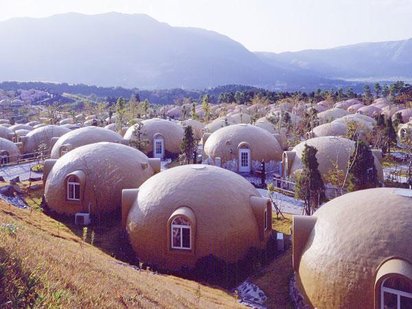 В Японии строят дома из пенопласта&; Панель идей