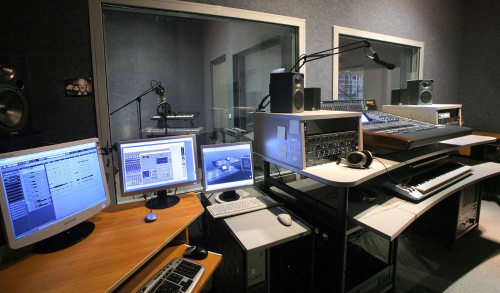 Как сделать запись в студии 8