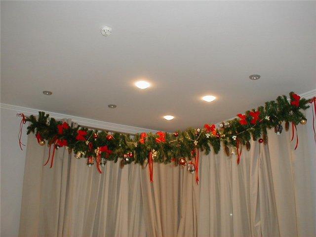 Как можно украсить шторы