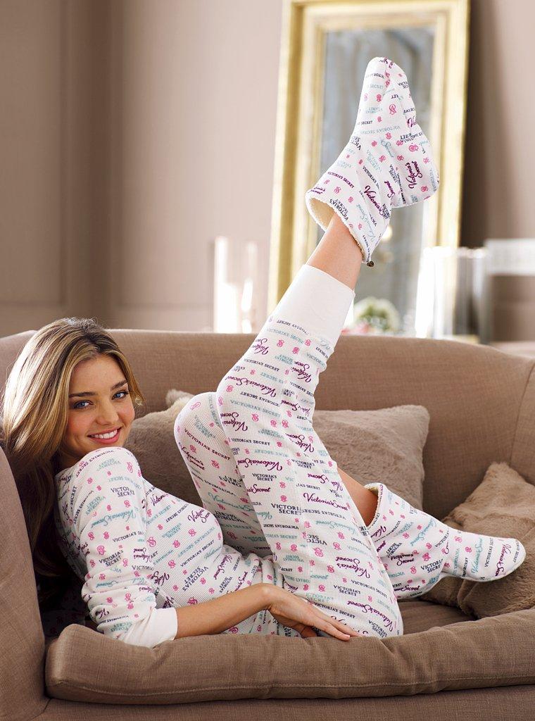 Девушка в халате на даче посмотреть фотки фото 361-910