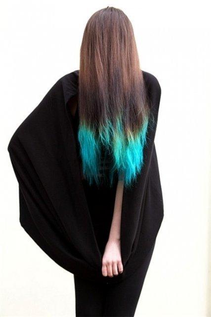 Синие концы волос