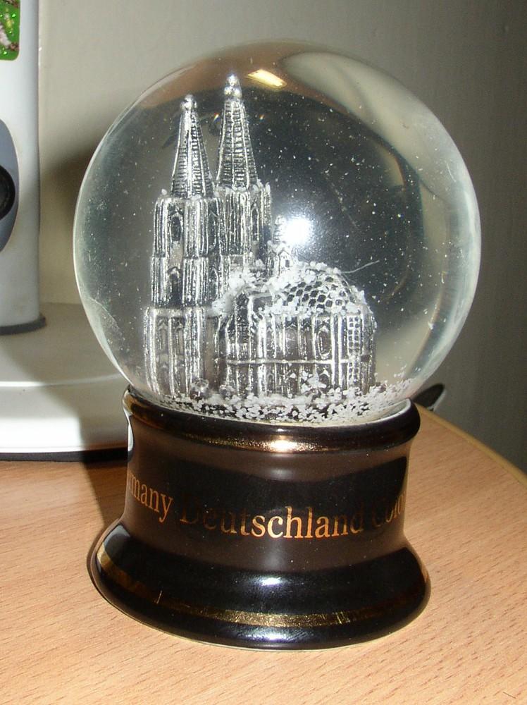 Как сделать стеклянный шар с блестками своими руками