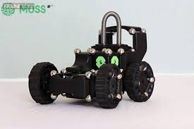 MOSS - The Dynamic Robot Construction Kit
