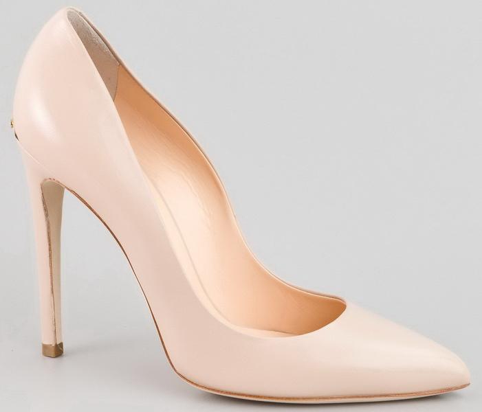 С чем носить бежевые туфли: 3 комментария Karina Октябрь 15, 2012 в 4:04 пп. Да такие туфли должны