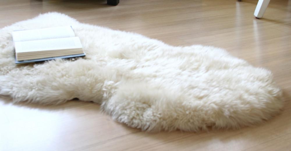 Как почистить шкуру из овчины в домашних
