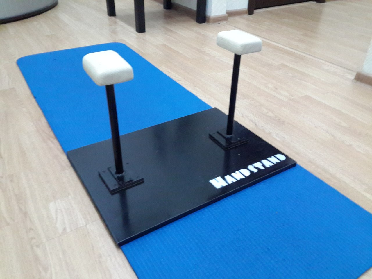 Как сделать стоялки для акробатики в домашних условиях