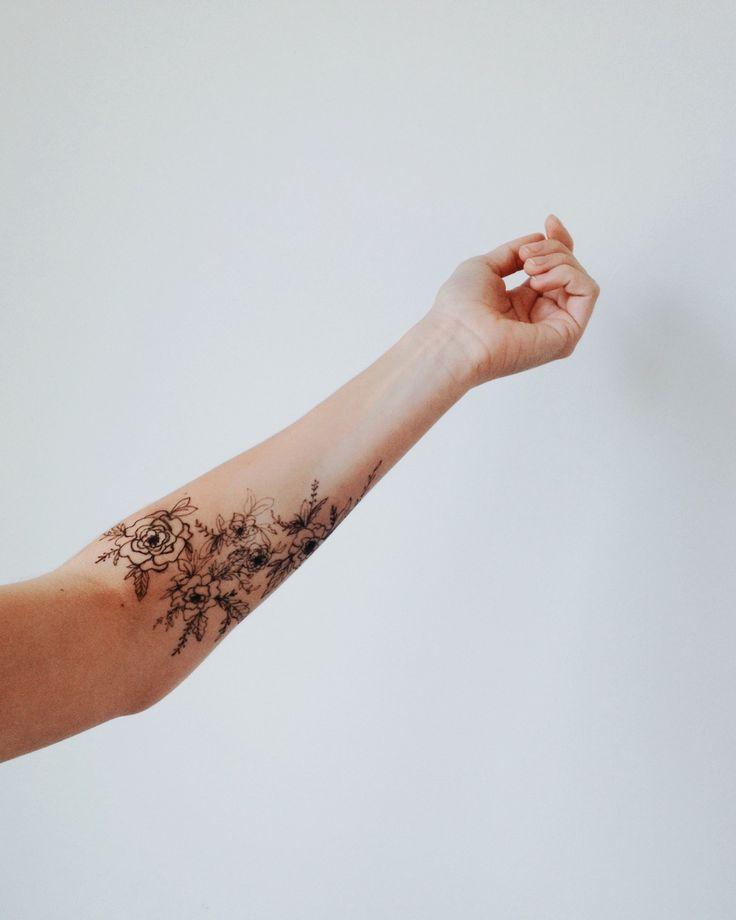 Татуировки цветы для девушек на предплечье