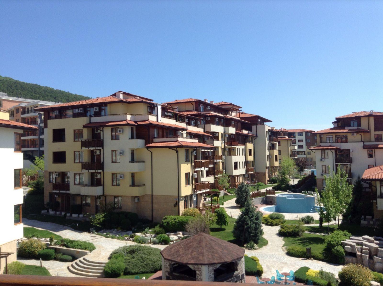 Купить квартиры и апартаменты на Солнечном берегу - 257